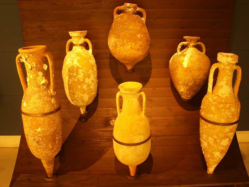 Amphorae, the container of choice for 4000 years