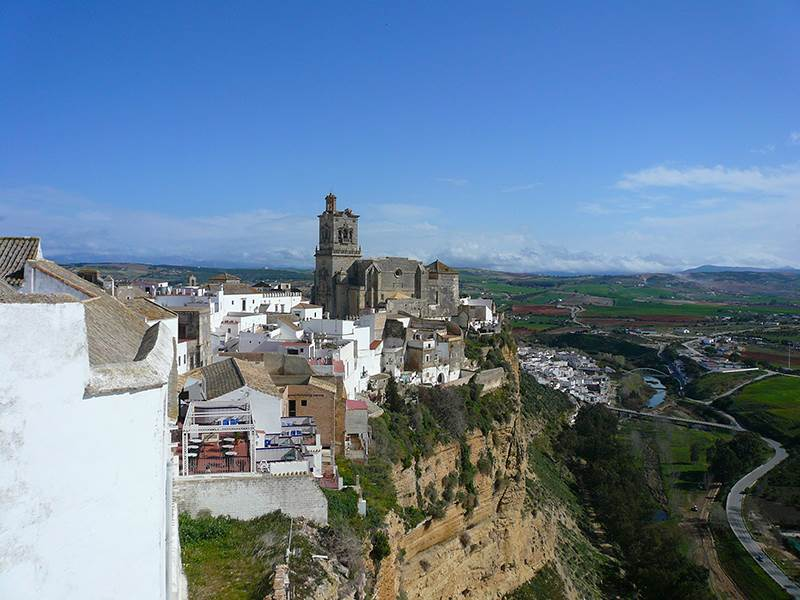 Guide to Arcos de la Frontera noble and most faithful town