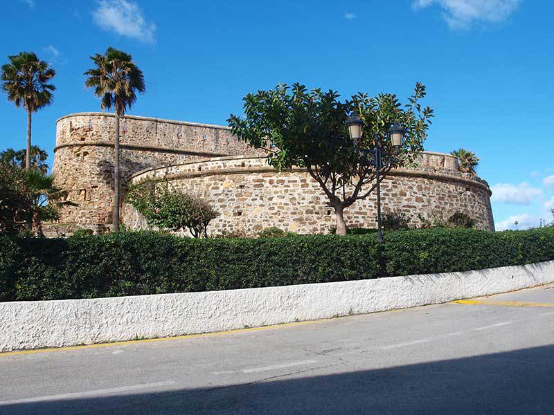 Costa del Sol | Guide to Castillo de la Duquesa a small fishing village