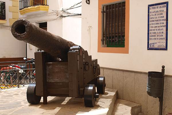 18th century cannon donated to the Lanjaron canoneros