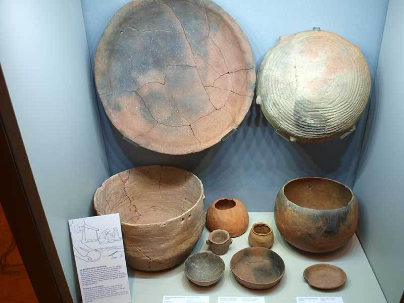 Pottery from Los Millares (Almeria Archaeological Museum)  data-caption=